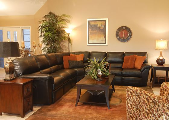 Design meets Comfort - Reese Reclining Sectional by La-Z-Boy Furniture